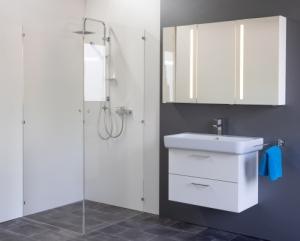 Spiegelschrank Mystic LED Inline II Dreitürig mit Farbauswahl